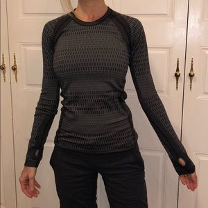 Lululemon long sleeved shirt